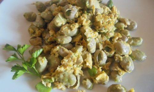 Fave con l'uovo: un anticipo di primavera 'ai fornelli'
