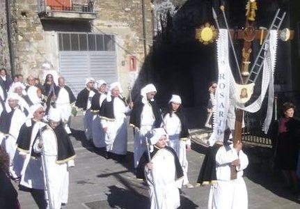 Sulle Vie del Venerdì Santo: gli itinerari delle confraternite del Cilento 2019