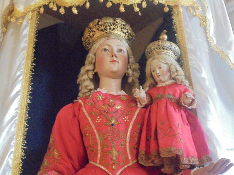 Ostigliano (Perito), Chiesa di San Giovanni Battista: Madonna del Rosario, particolare