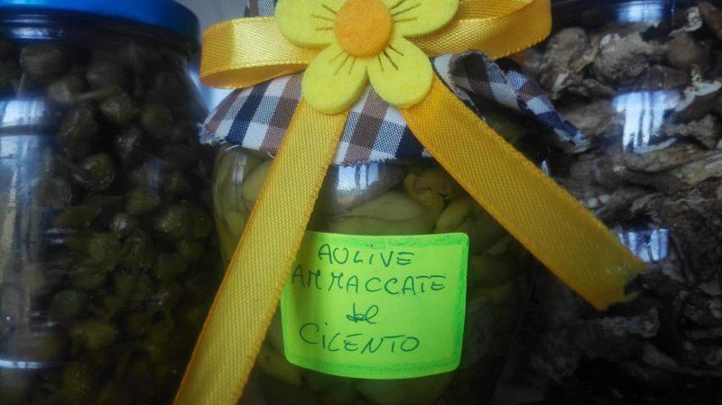 'aulive ammaccate' (olive schiacciate)