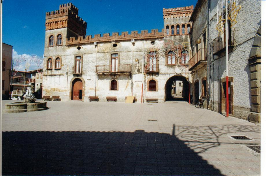 Cannalonga San Toribio - Piazza del Popolo
