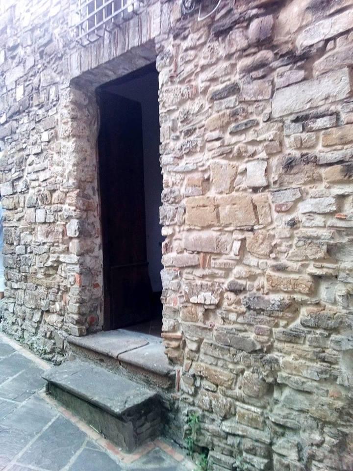 Ingresso della cappella della Madonna del Carmine